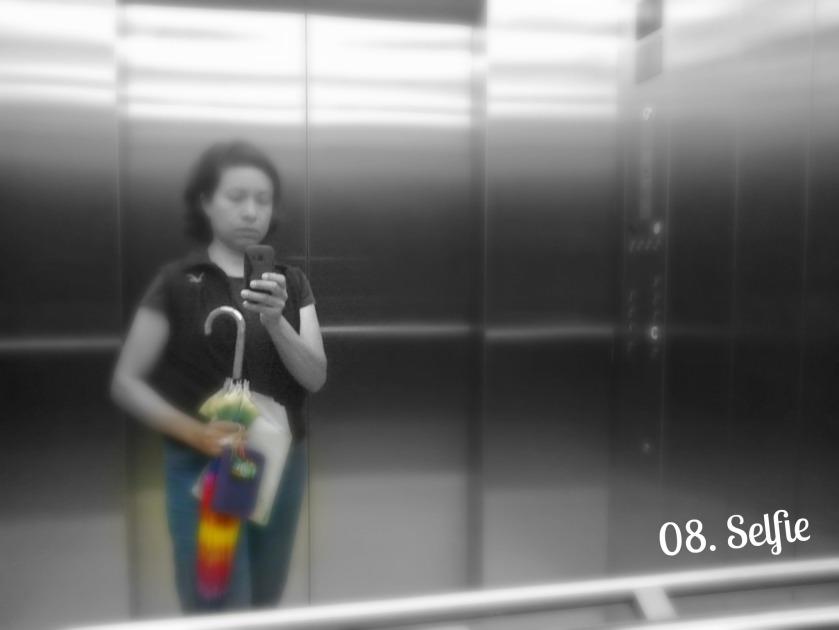 08.Selfie